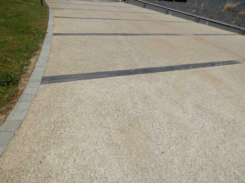 Aménagement de l''entrée Akademi EAG - Guingamp (22) p4196427