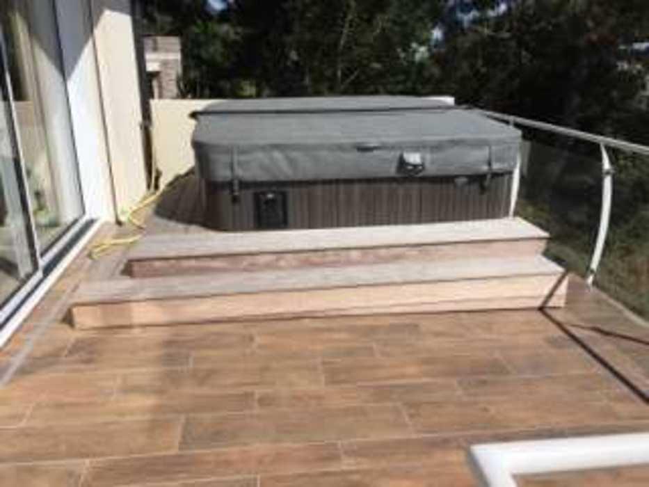 Création d''un jardin et aménagement d''un espace détente en balcon - (22) img0312