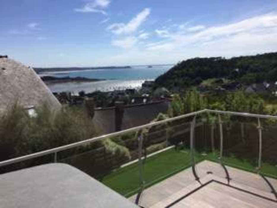 Création d''un jardin et aménagement d''un espace détente en balcon - (22) img0313